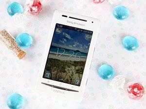 質輕曼妙美型機 - Sony Ericsson XPERIA X8