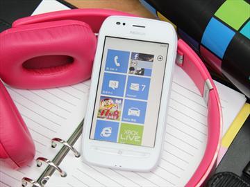 NOKIA Lumia 710 來自北歐的超值芒果