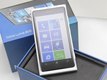 NOKIA Lumia 800「永晝白」新色開箱圖賞