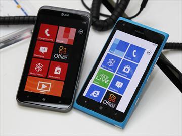 NOKIA Lumia 900、HTC TITAN II 微軟展場雙雄爭霸