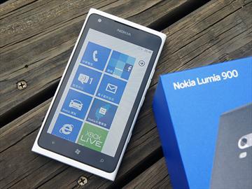NOKIA Lumia 900 末代WP7機皇的逆襲